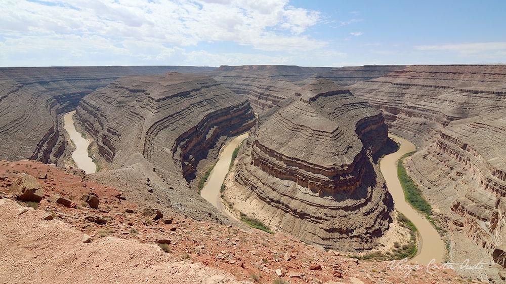 Goosenecks State Park cerca de Valley of the Gods Utah - El Valle de los Dioses