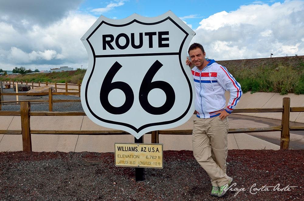 El mejor tramo de la ruta 66 en Arizona - Señal Route 66 Williams